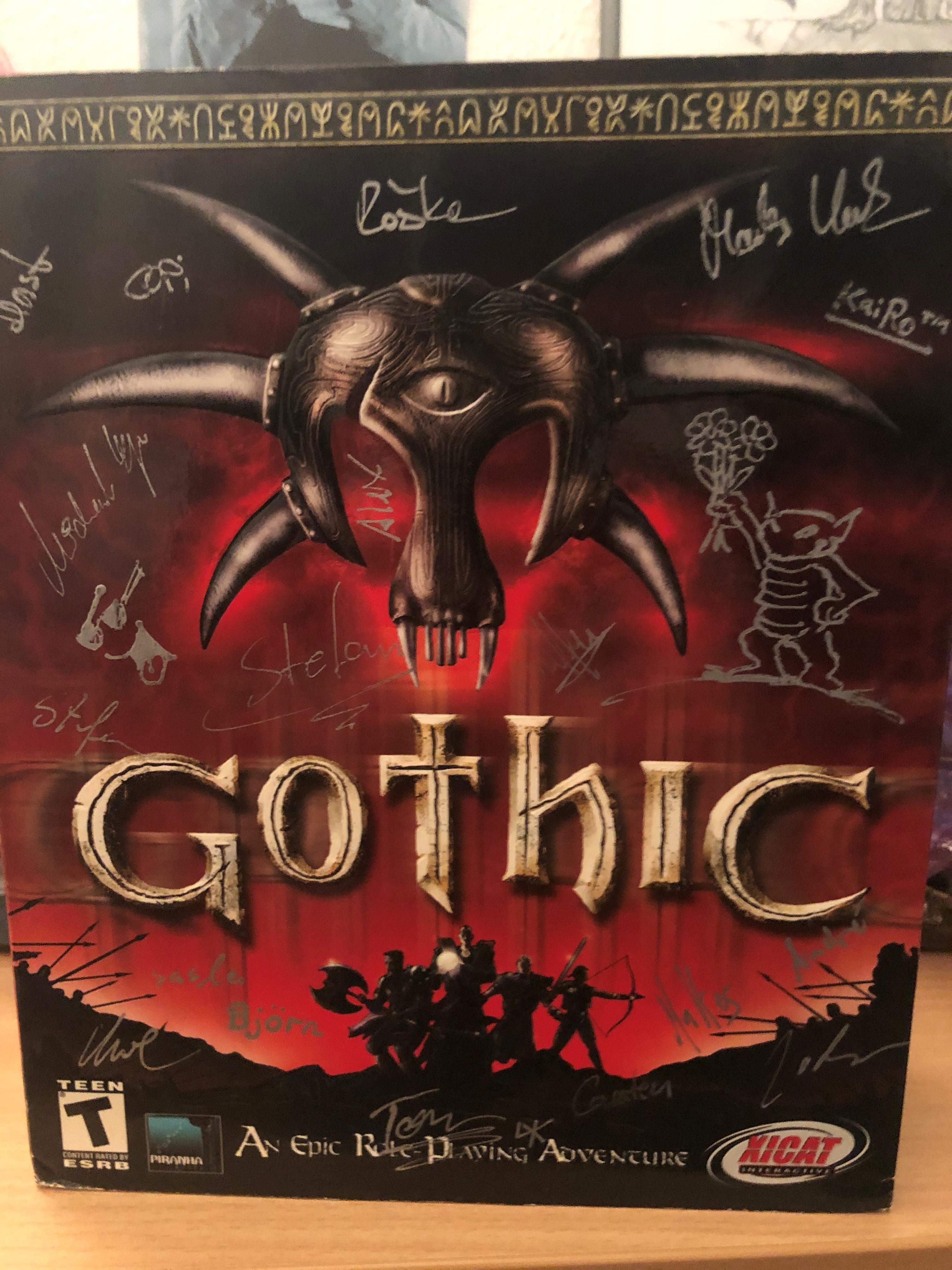 Englische Erstausgabe von Gothic mit Unterschriften des Teams
